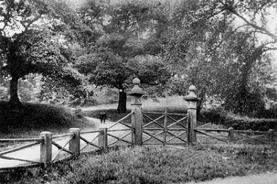 The old Dooley Lane entrance to Marple Hall