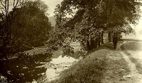 A gentleman strolls along Marple Dale c1920