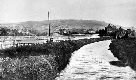 The canal arm running alongside Strines Road to the loading house below the lime kilns